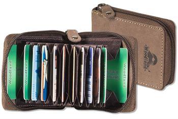 Woodland® XXL-Kreditkartenetui im Hochformat mit dem Protecto® RFID/NFC-Blocker Schutz für 10 Kreditkarten aus Büffelleder in Dunkelbraun/Taupe